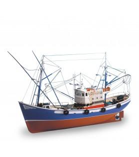 Wooden Model Ship Kit: Fishing Boat Carmen II 1/40