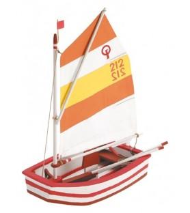 Wooden model boat: OPTIMIST