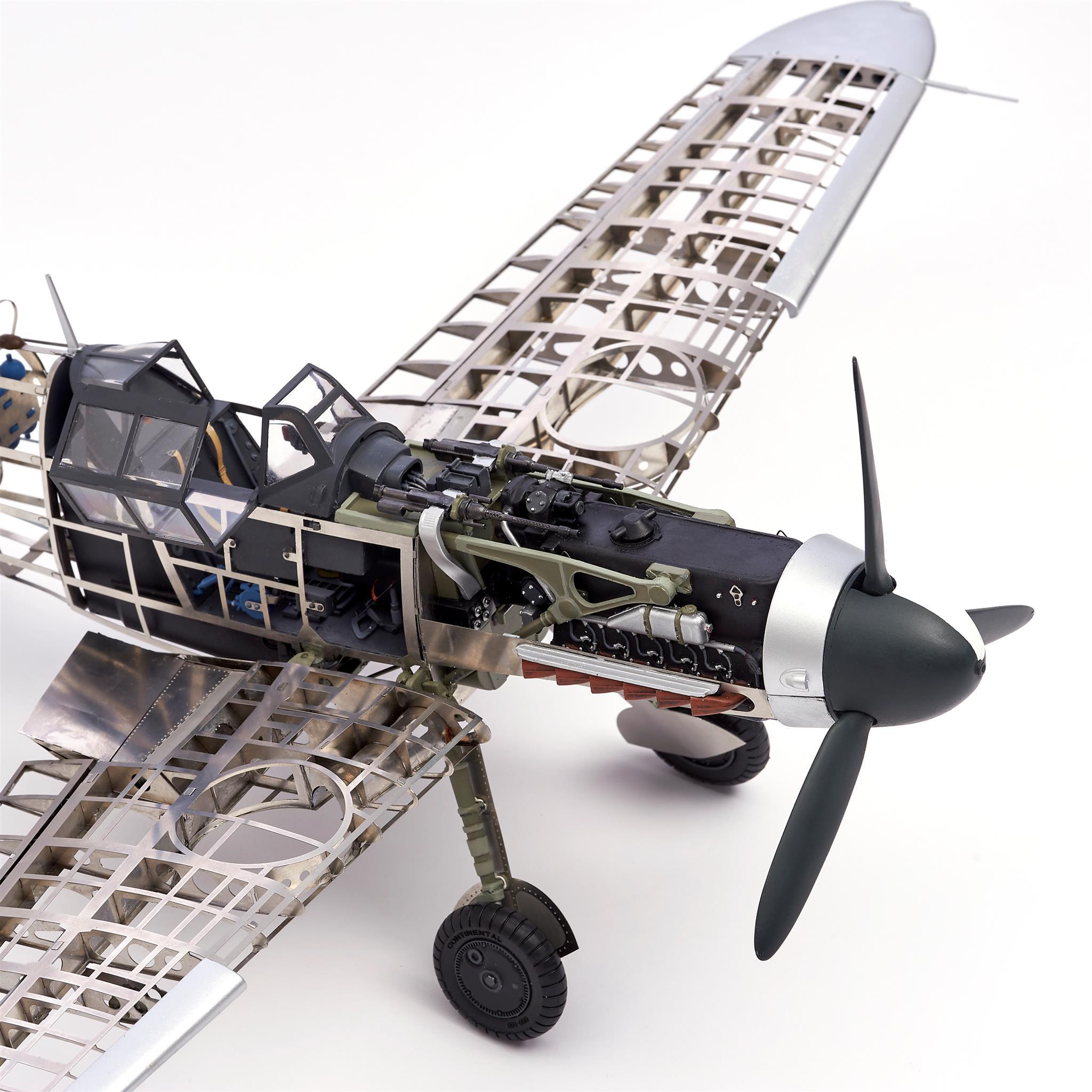 Messerschmitt BF 109G German fighter model 1/16 scale.