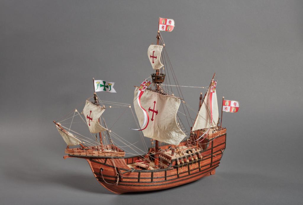 Renovated scale model in wood Santa Maria Caravel.