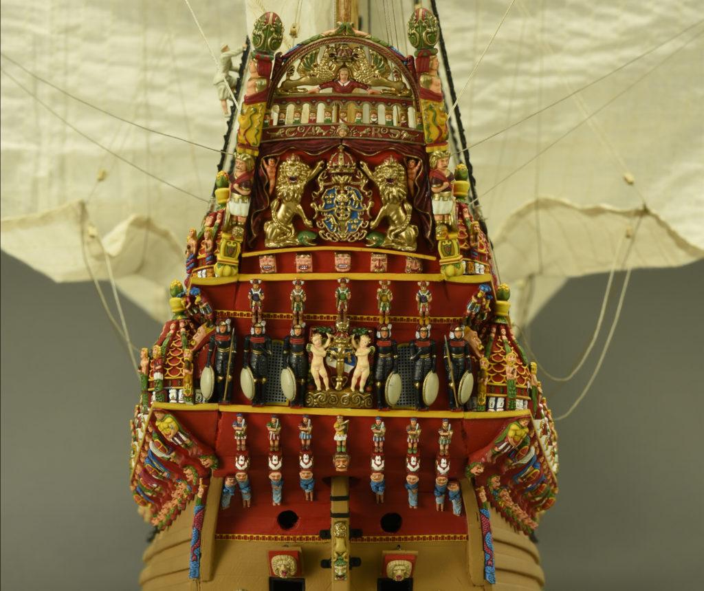 Modelismo naval. Fantástica decoración de Maqueta en Madera Barco de Guerra Sueco Vasa 1/65