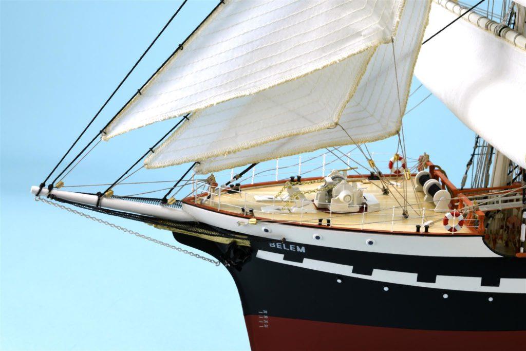 Modélisme naval. Maquette de navire-école Belem de France à l'échelle 1/75 (22519).